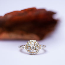 Load image into Gallery viewer, Mother of helo diamond ring