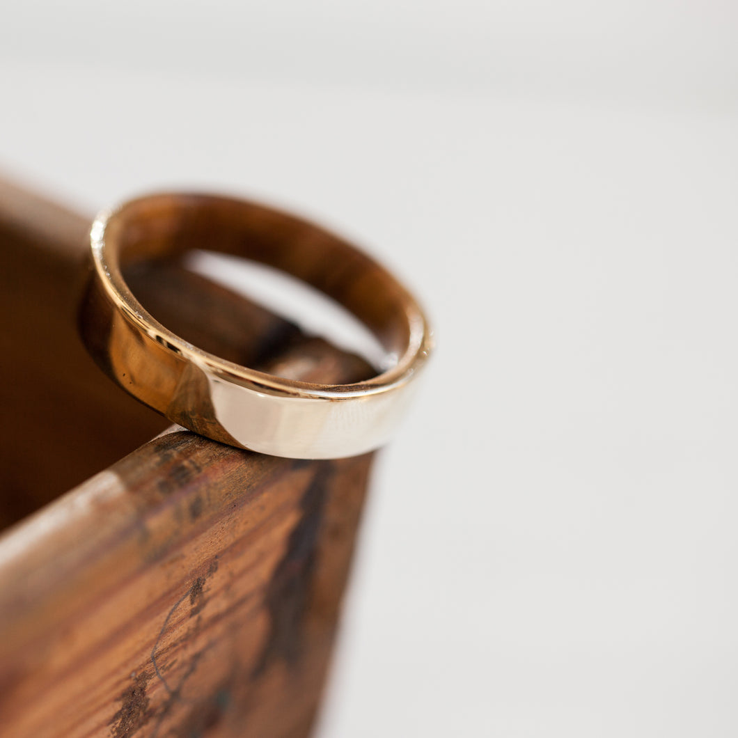 Olive wood gold ring