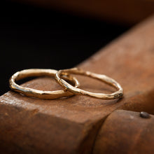 Load image into Gallery viewer, Classic Raw wedding rings