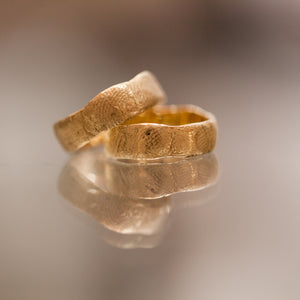 Raw finger-print gold rings