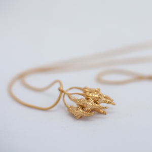 Organic spiky cluster necklace
