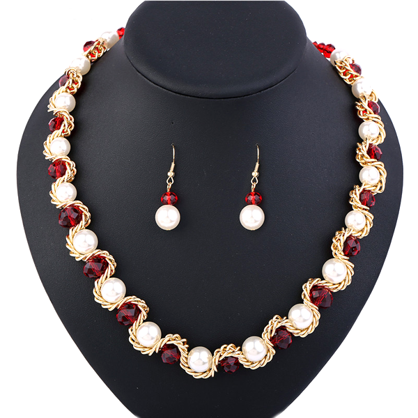 Garnet Pearl Elegant Necklace Set