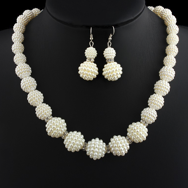Handmade Pearl Beads Necklace