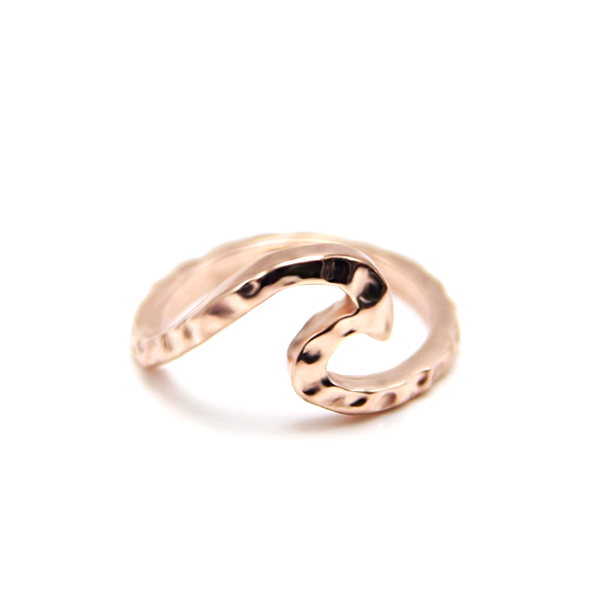 Single Wave Love Ring
