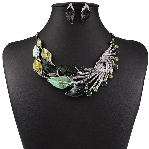 Vintage Peacock Tail Collar Necklace