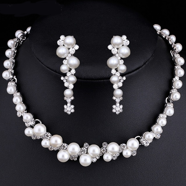 Flower Choker Pearl Necklace Set
