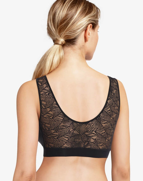 Soft Stretch Padded Top With Lace