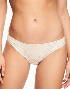Champs Elysees Brief