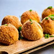 4 Cheese Arancini with Roasted Garlic Aioli (V) – 30 pieces