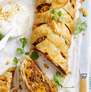 Vegetable and Lentil Curry Plait with a Raita & Mango Chutney (4 Serves)