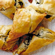 Indian Spiced Paneer Filo Parcels with Mango Chutney and Minted Yoghurt (1kg 3-4 serves)