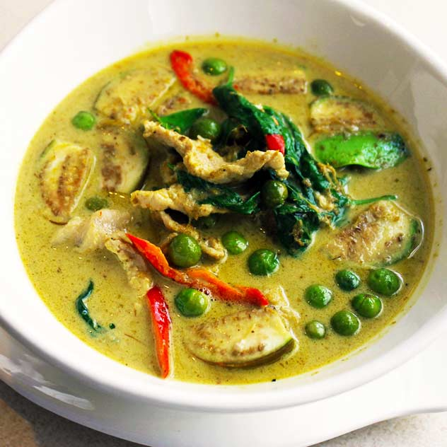 Thai Green Chicken Curry (600gm - 2 Serves)