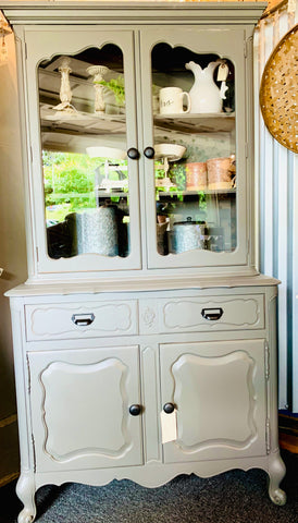 Dark Gray Hutch