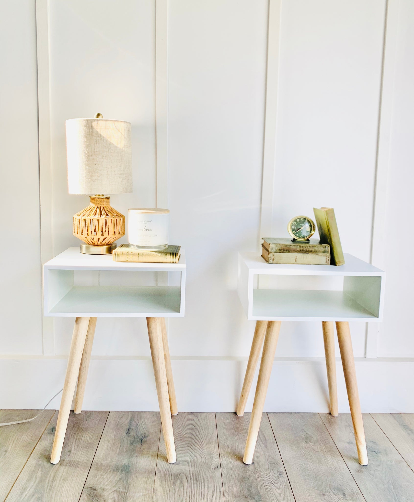 Pair of Nightstands/End Tables