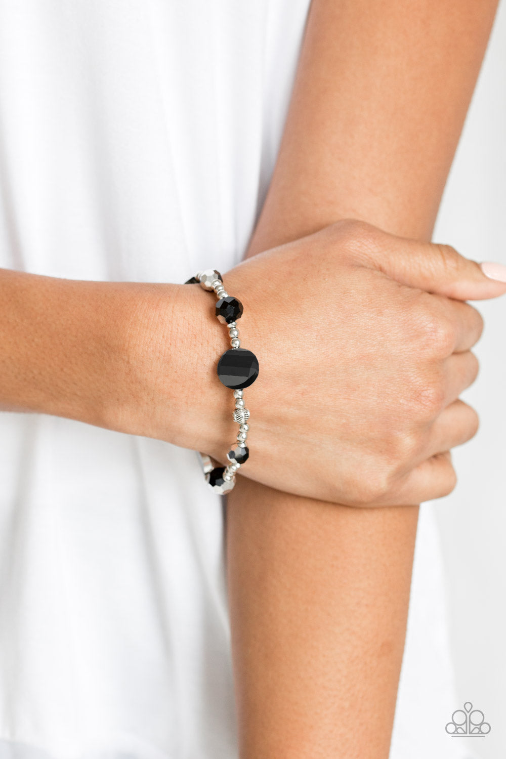 Starry-Eyed Elegance - Black - Bracelet