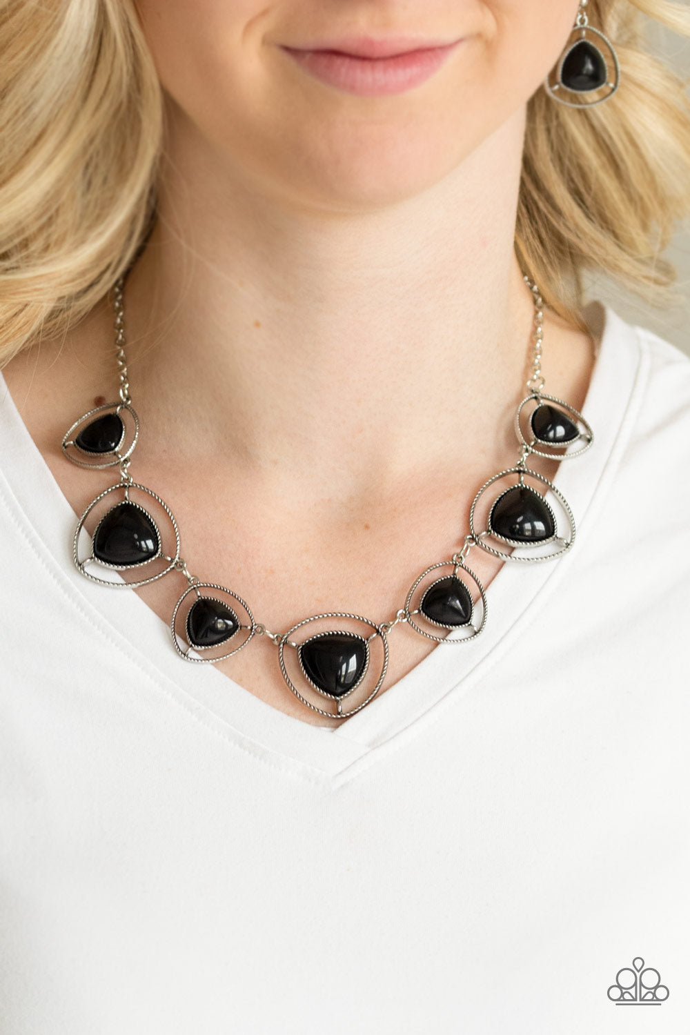 Make A Point - Black - Necklace