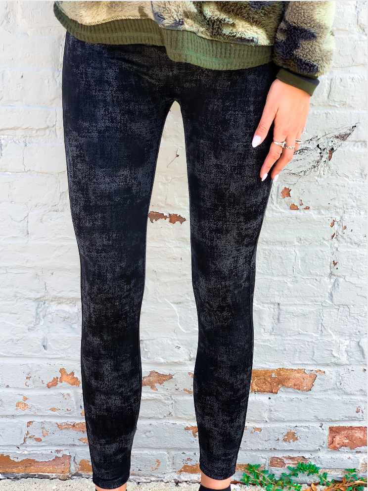 High Waisted Textured Legging