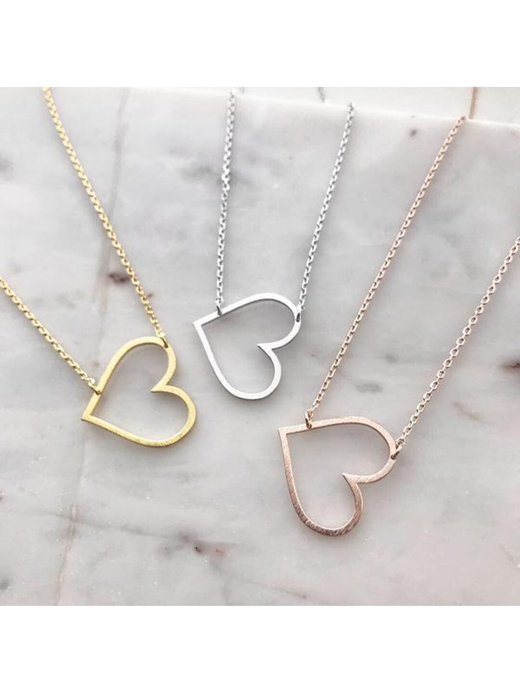 Lovely Heart Cutout Necklace
