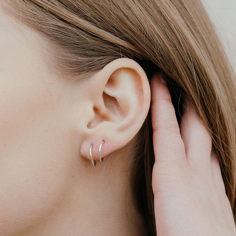 Single Tiny Twist Earring
