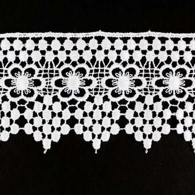 5949128 Lace Guipure With Flowers 5.8cm