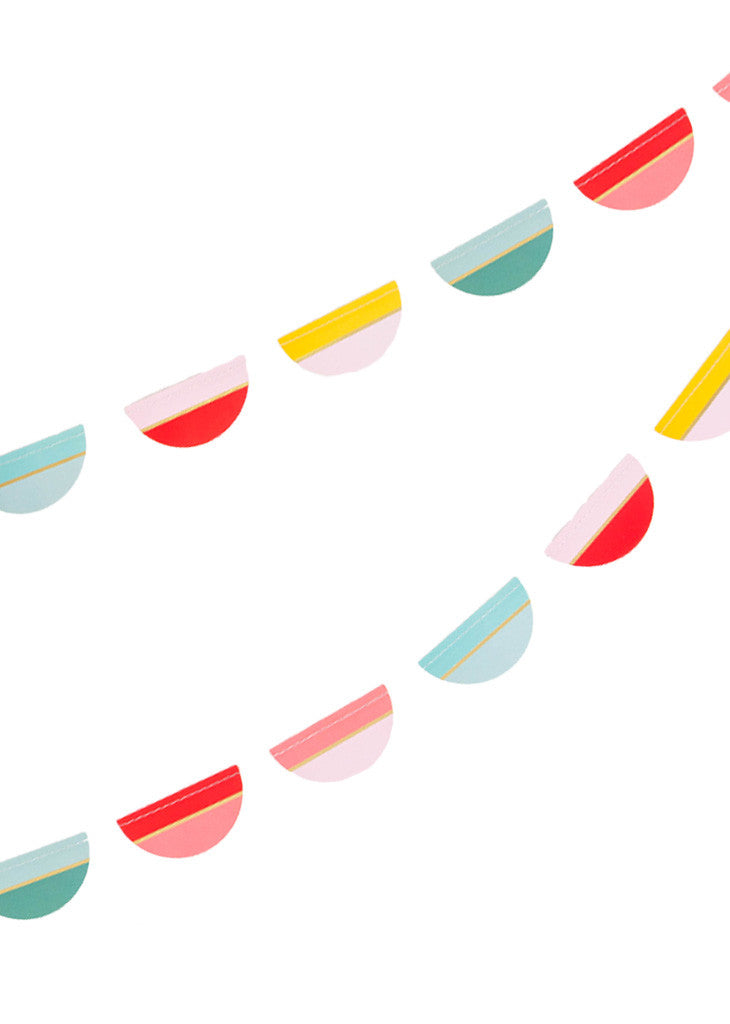 MULTI COLOR SCALLOP PAPER GARLAND - Bracket