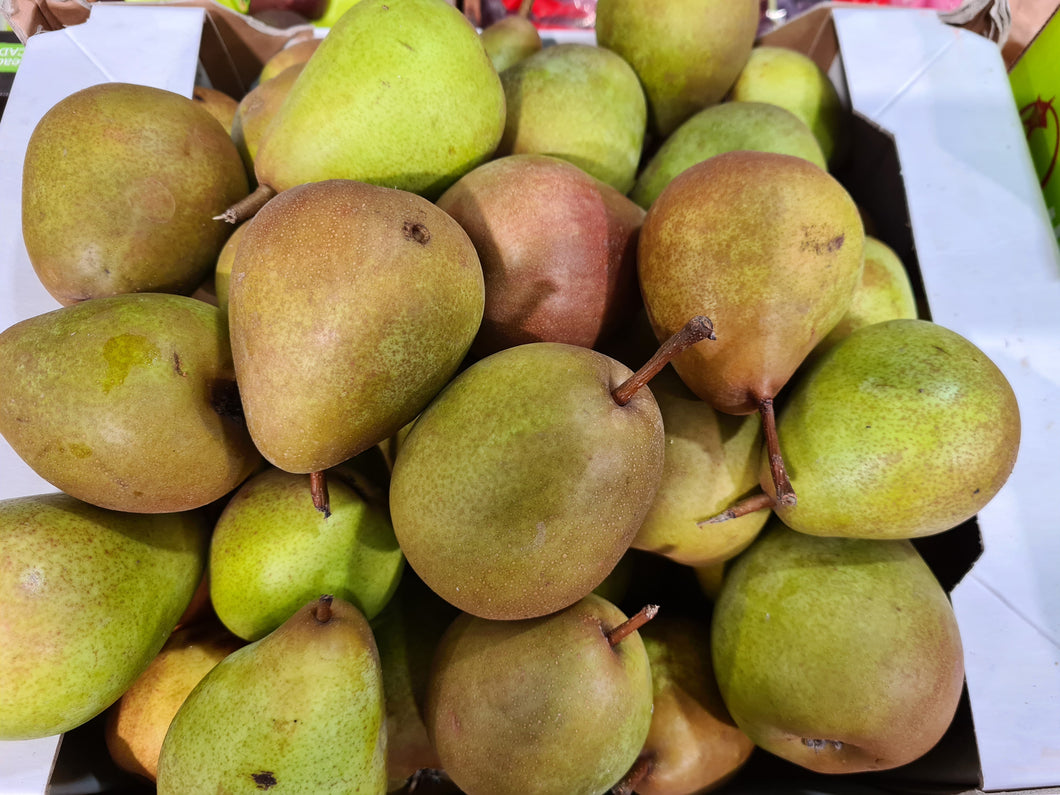 English Beurre Hardy Pears (Each)