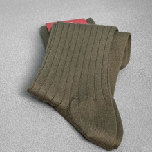 Load image into Gallery viewer, Green Ribbed Socks