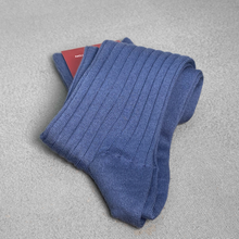 Load image into Gallery viewer, Blue Ribbed Socks