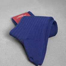 Load image into Gallery viewer, Navy Ribbed Socks