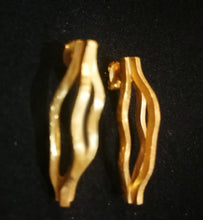 Load image into Gallery viewer, CURVES golden EARRINGS small
