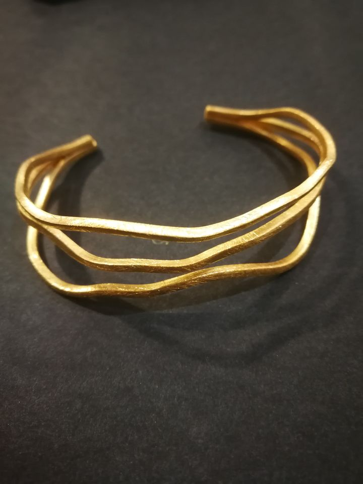 CURVES Golden BRACELET 24 k gold plated matte meta