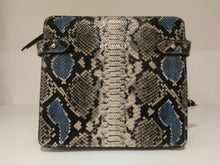 Load image into Gallery viewer, NEUVILLE- Mama - Blue Python Mat