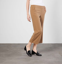 Load image into Gallery viewer, CHIARA cropped - Floating crepe - 2173-00-0231L