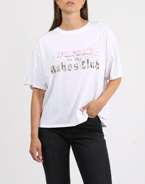 This is a photo of a model wearing the welcome to the babes club boxy tee crew neck in white by brunette the label.