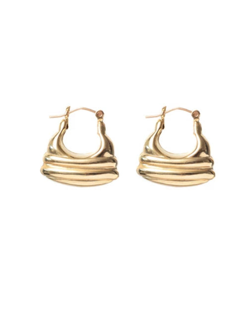 Image of the Emily earrings in gold by Lisbeth.