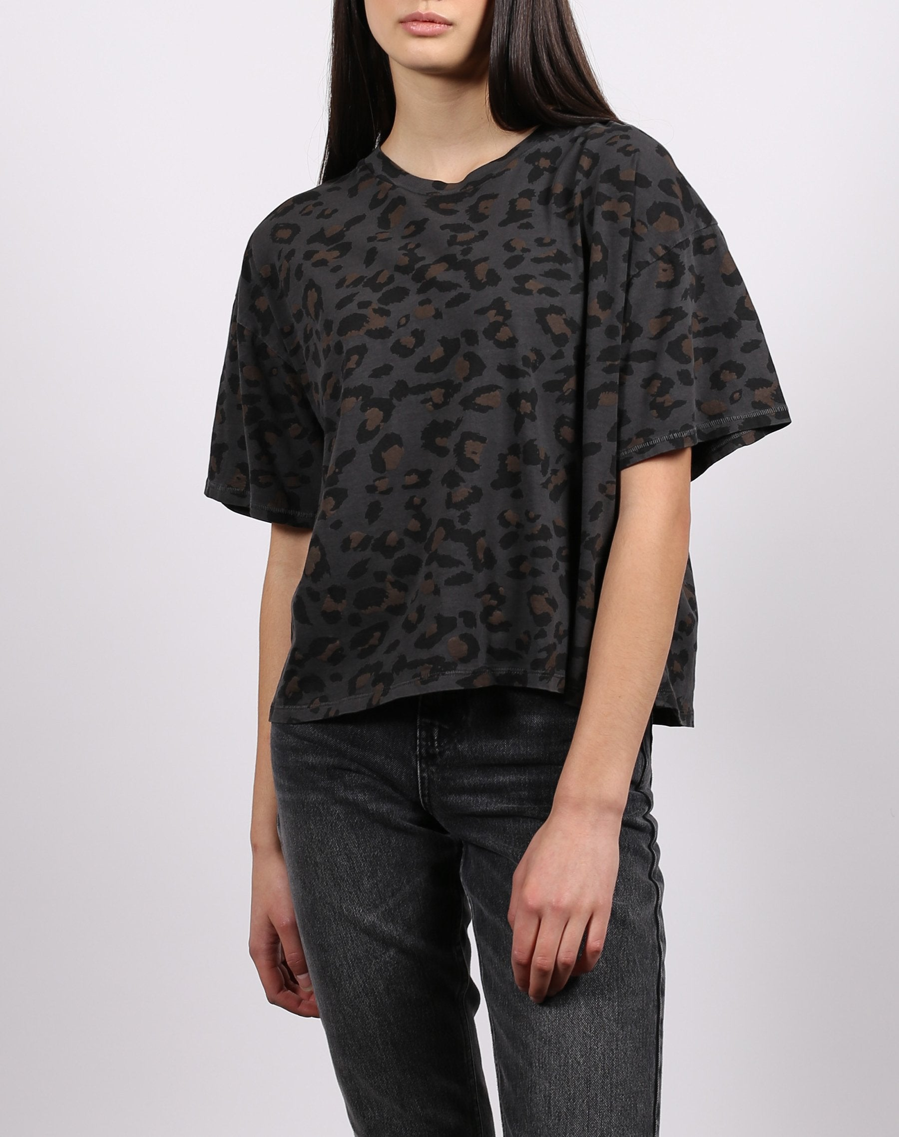 This is a photo of the front of the leopard 1981 slate grey boxy tee from brunette the label