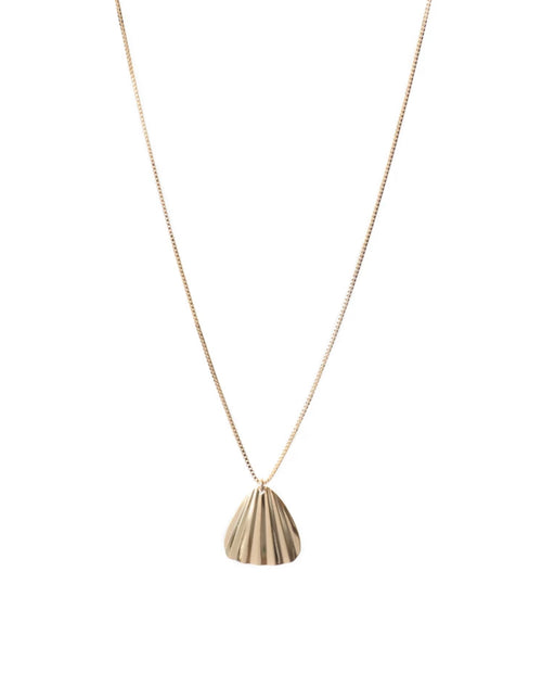 Image of the Nia necklace in gold by Lisbeth.