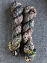 Load image into Gallery viewer, Cair Paravel (Merino Smooth Sock)