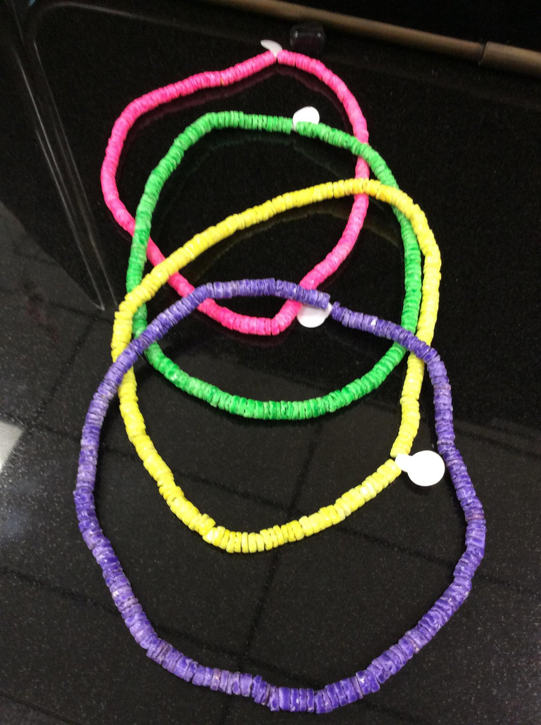 Puka shell colored stretch necklace