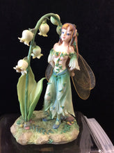 Load image into Gallery viewer, Lily Princess by Linda Biggs