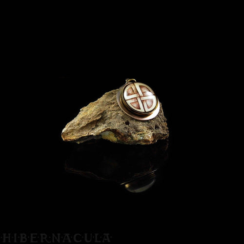 The Shield Knot -- Talisman of Protection | Hibernacula