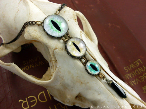 The Witch's Familiar -- Numina Iris Necklace | Hibernacula