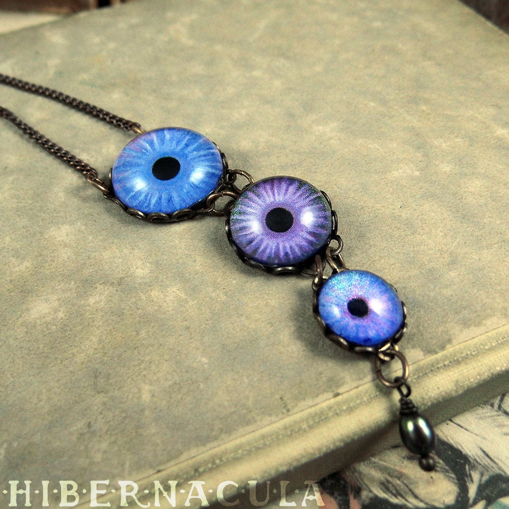 Touch of Frost -- Numina Iris Necklace | Hibernacula