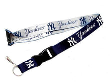 Load image into Gallery viewer, New York Yankees reversible lanyard - keychain badge holder