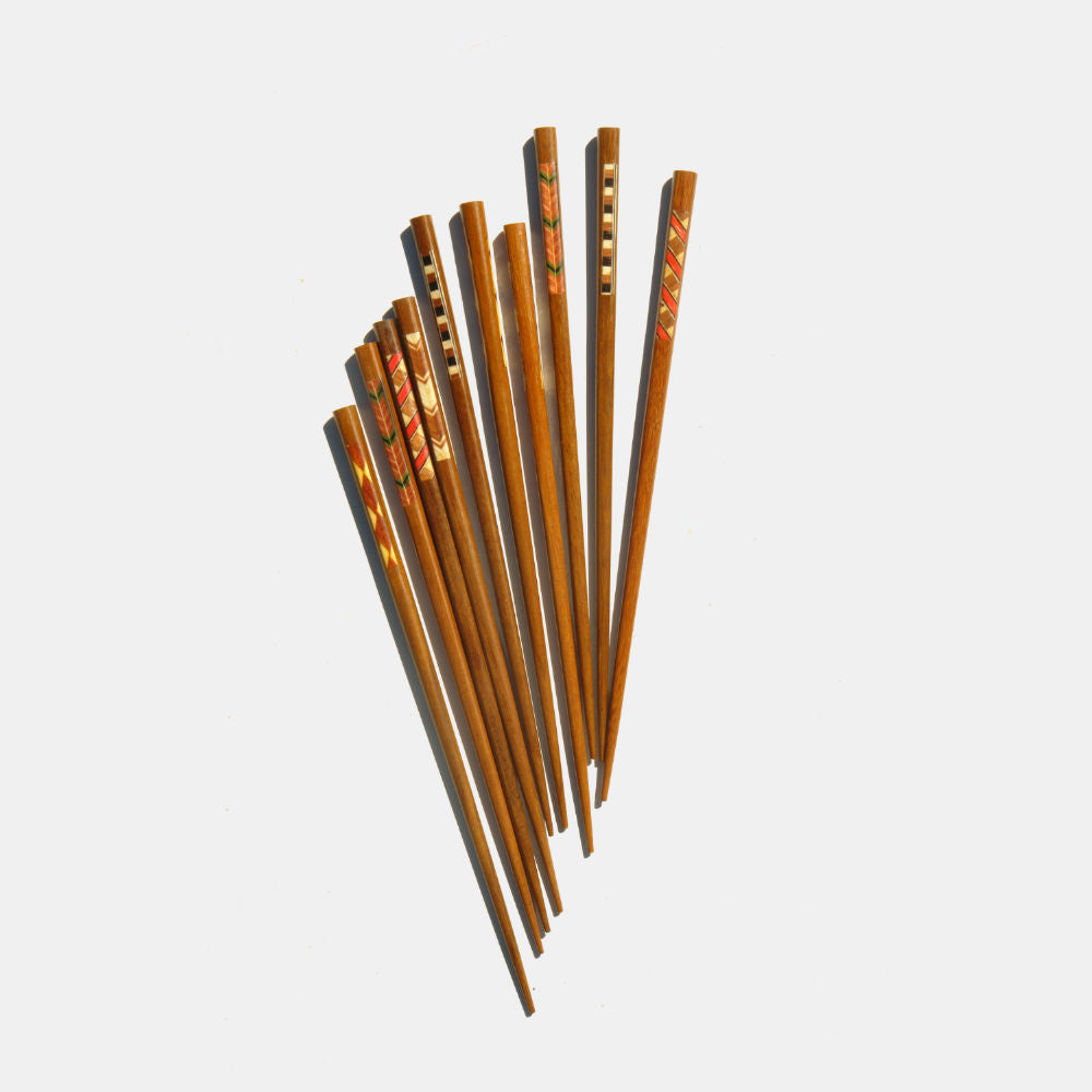 Lot of 5 pairs of wooden chevrons chopsticks