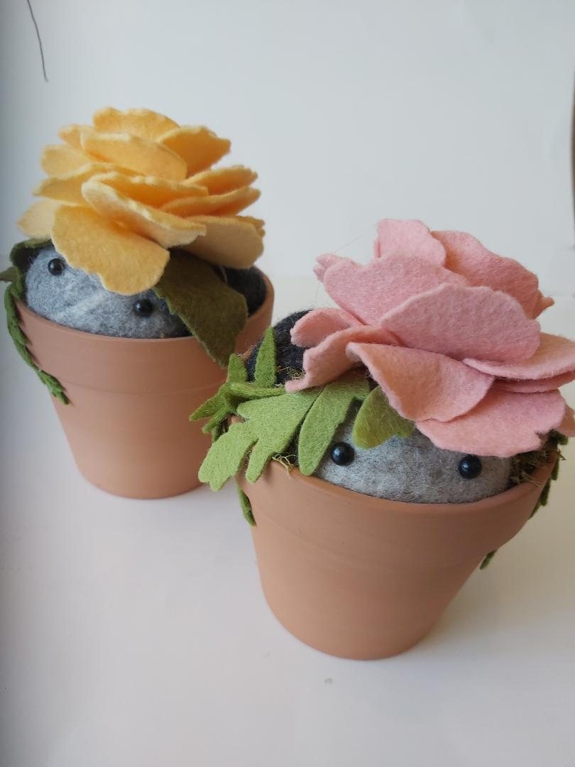 Flower Pot - Peekaboo Stone Softie