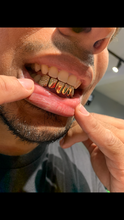 Load image into Gallery viewer, 6 Pack Diamond Grillz with 2 Diamond teeth and 4 Half Diamond teeth