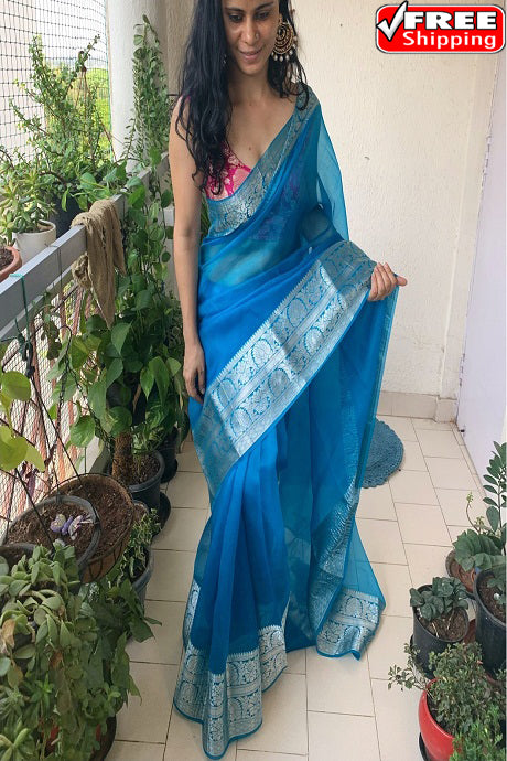 Amazing Dhudhiya Color Hand loom Soft Cotton Silk Designer Sarees