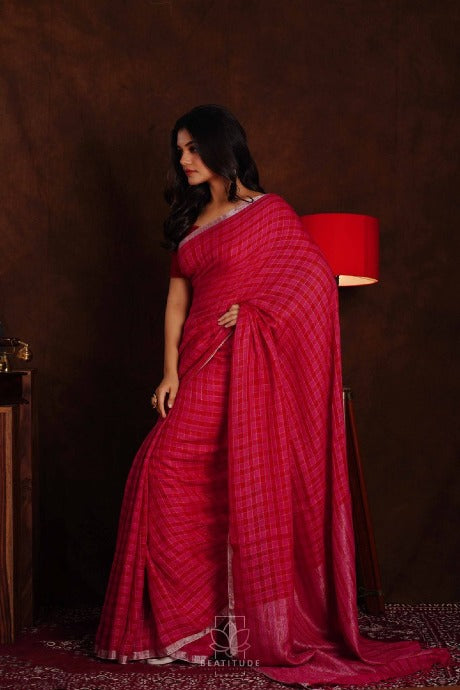 Fashionble One piece Red colored Linen Fabric Saree