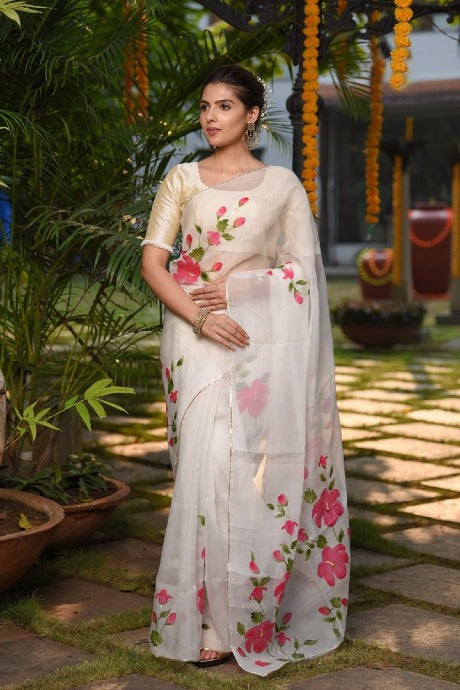 Acractive White Colour Soft Silk Lenen Saree